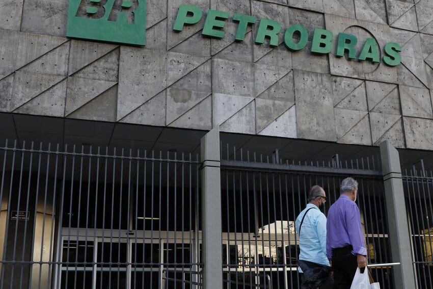 Rio de Janeiro - Edifício sede da Petrobras no Centro do Rio