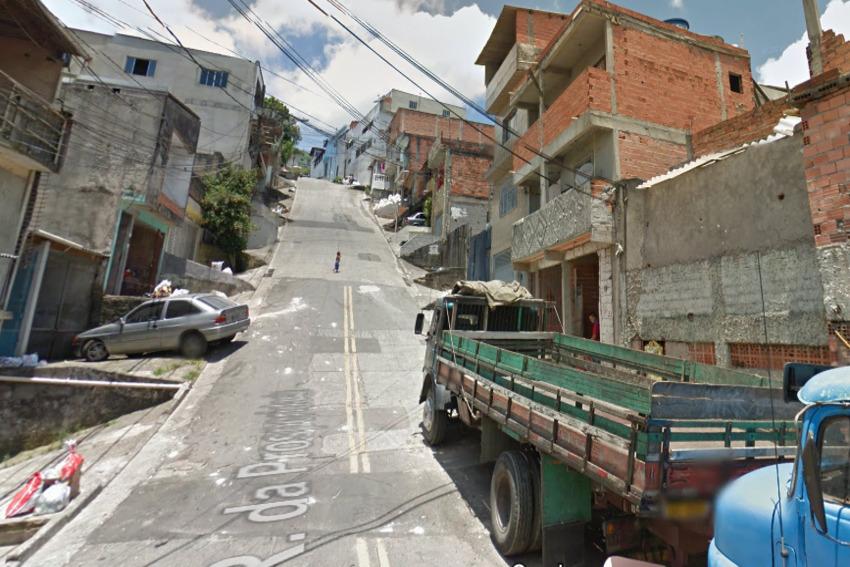 rua com obras
